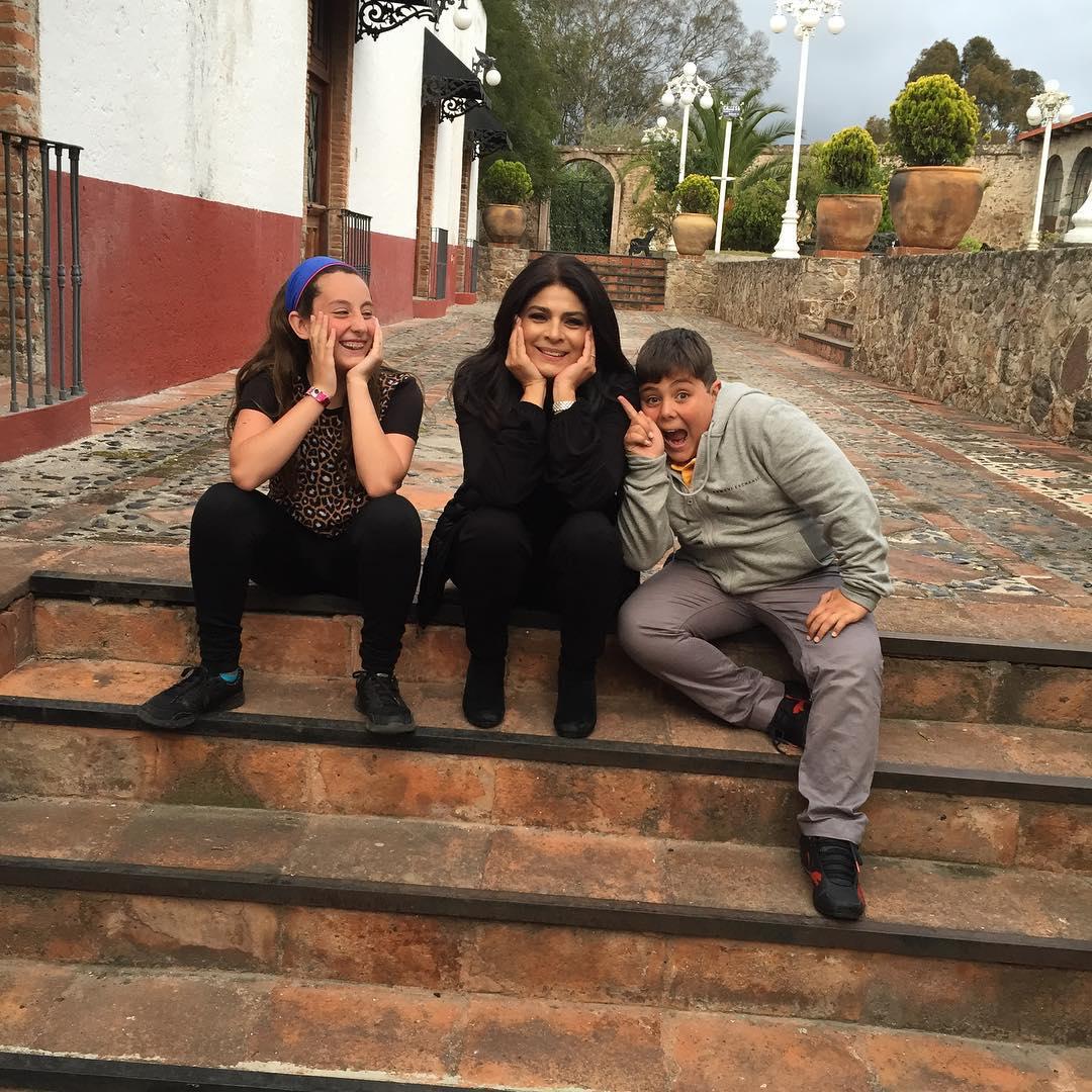 Фото виктории руффо с ее детьми