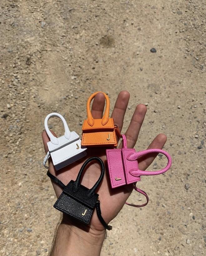 Jacquemus выпустил самую маленькую в мире сумку