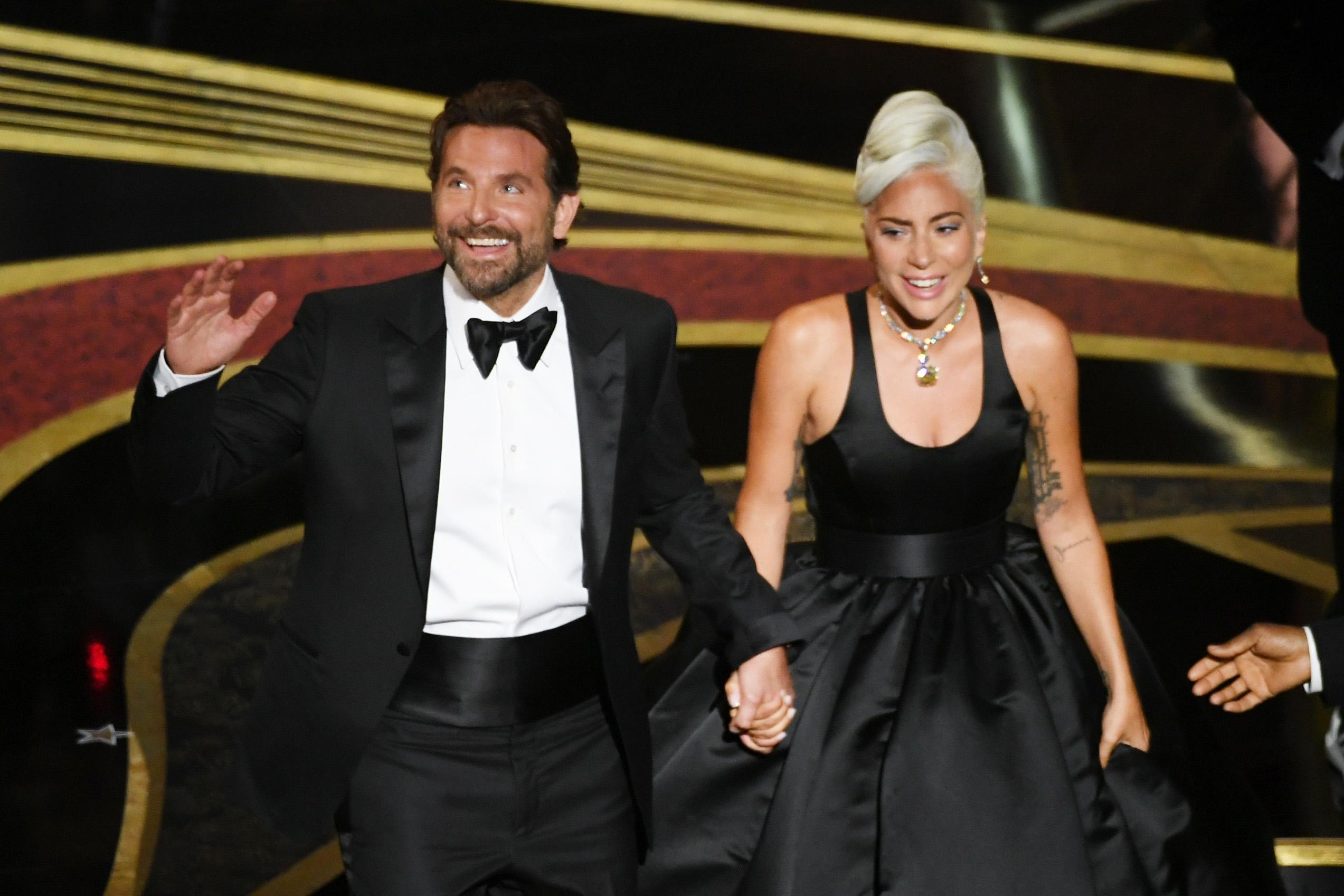 Леди Гага и Брэдли Купер съехались